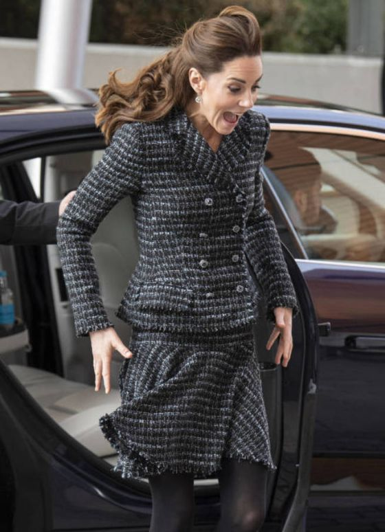 london-england-january-28-catherine-duchess-of-cambridge-joins-a-workshop-run-by-the-national-portrait-gallery-s-hospital-programme-at-evelina-children-s-hospital-on-january-28-2020-in-london-england-hrh-