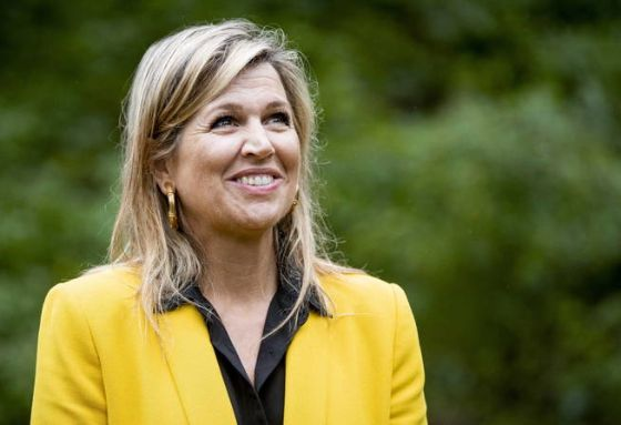 oostkapelle-netherlands-08-07-2020-dutch-queen-maxima-visits-the-klimbos-zeeuwse-helde-forest-climbing-site-in-oostkapelle-netherlands-08-july-2020-the-queen-pays-a-working-visit-to-the-tourism-sector-in-