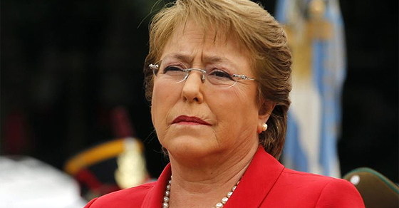 bachelet-chiquilles-1