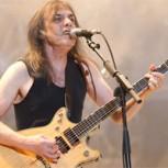 AC/DC se queda sin guitarrista: Malcolm Young se retira