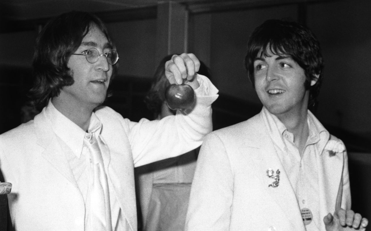 lennon-mccartney-gettyimages-56155922-e1479439556484