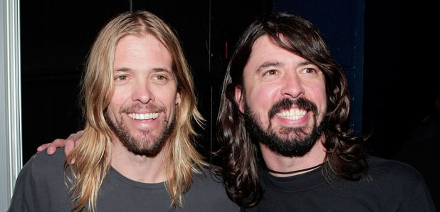 dave-grohl-and-taylor-hawkins-at--after-the-50th-annual-grammy-award-nominations-1506706122-article-0