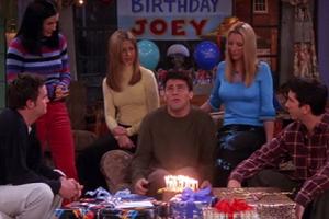 """dbb6deff7a2 Atentos: 10 cosas que los fanáticos de """"Friends"""" siguen discutiendo ..."""