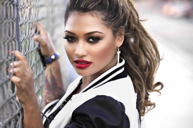Vanessa White /  www.metrolyrics.com