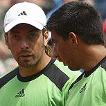 ¿Cómo cambia el tenis en el dobles?