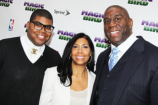 Ej Johnson junto a su padre, el famoso jugador de basket Magic Johnson.