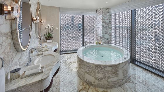 mandarin-oriental-doha-panoramic-suite-bathroom
