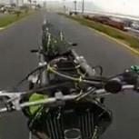 Motociclista desafía a carabinero y huye con arriesgadas maniobras a gran velocidad