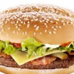 Encuentran un gusano en una hamburguesa de cadena Mc Donalds