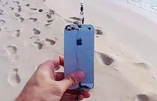 ¿Usar tu iPhone como anzuelo para pescar? Insólito video